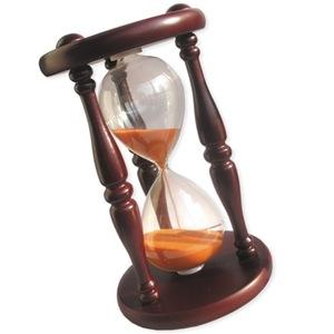 Часы означают паузу в действиях