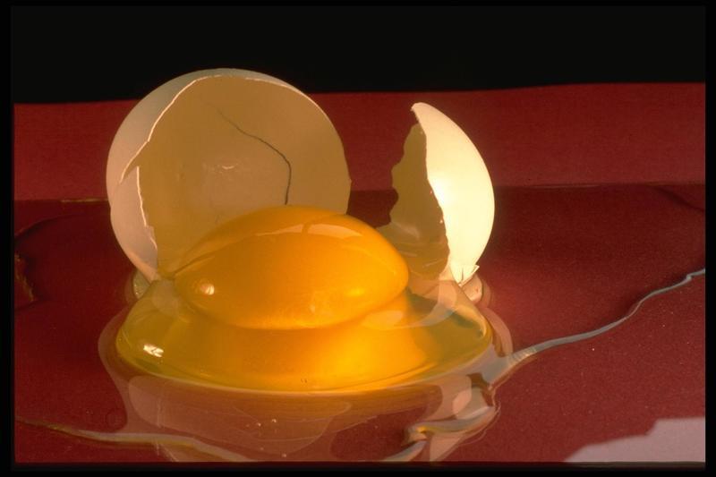 Как с помощью яйца избавиться от порчи
