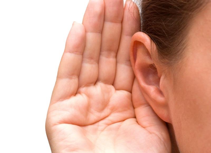 К чему звенит в правом и левом ухе толкование приметы