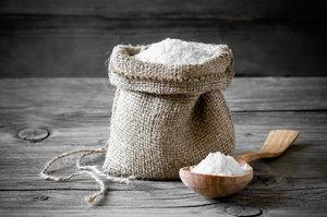 Рассыпать соль что делать