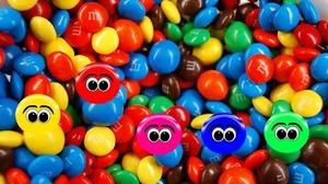 Приснилось много конфет